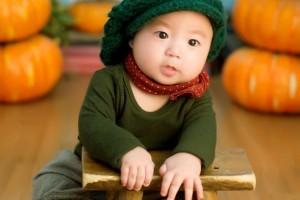 婴儿脖子下面有白斑有哪些原因婴儿脖子下面有白斑怎么办