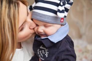 婴儿几个月翻身为什么婴儿不会翻身