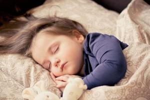 怎么样让脑瘫儿有个好睡眠小儿脑瘫患者在睡眠时要注意什么呢