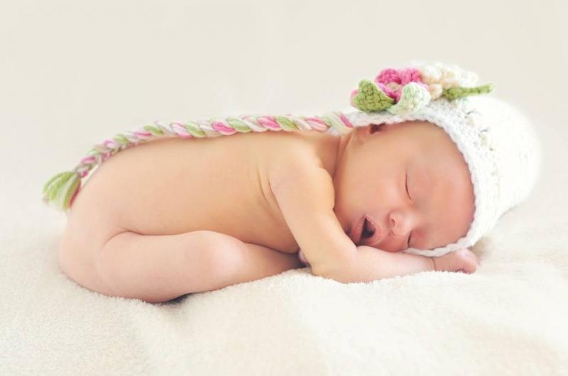宝宝睡姿不对会变丑3种错误睡姿需调整